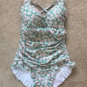 Other - Cute ruffle swimsuit